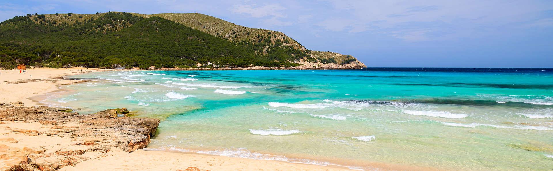 Découvrez le charme de Palma de Majorque avec accès au Cap Vermell Country Club