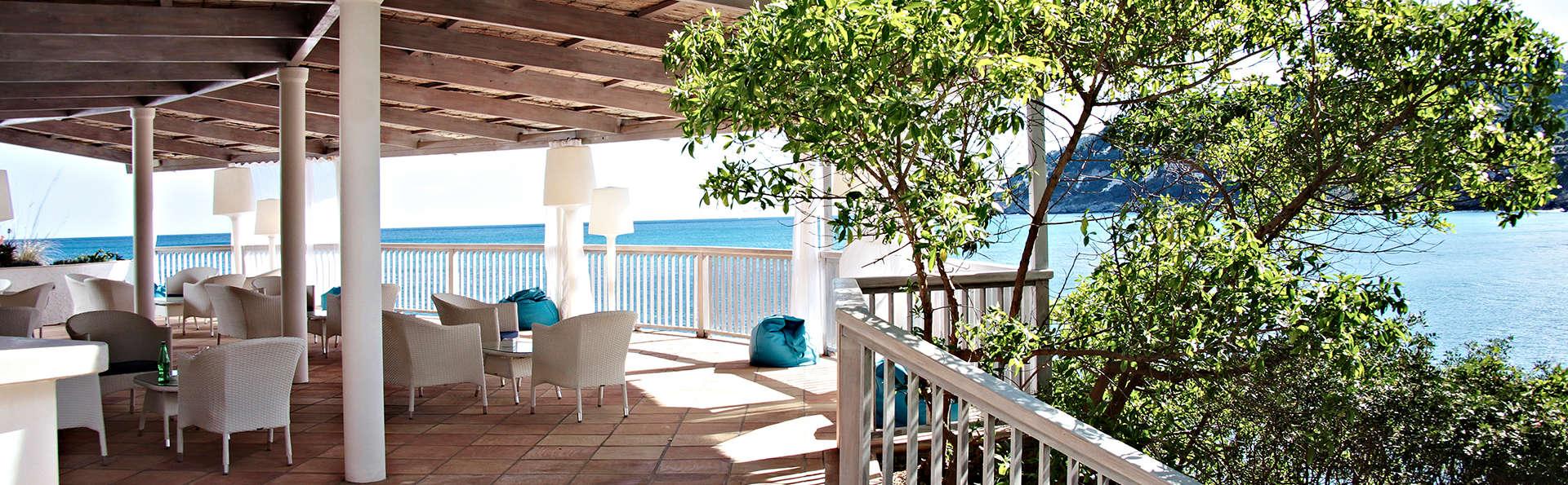 Cap Vermell Beach Hotel - Edit_Terrace4.jpg