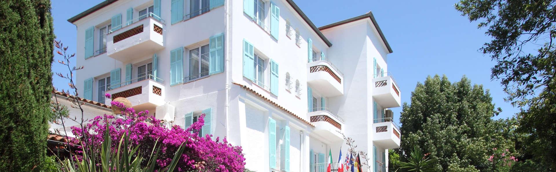 Hôtel Le Pré Catelan - Edit_Front.jpg