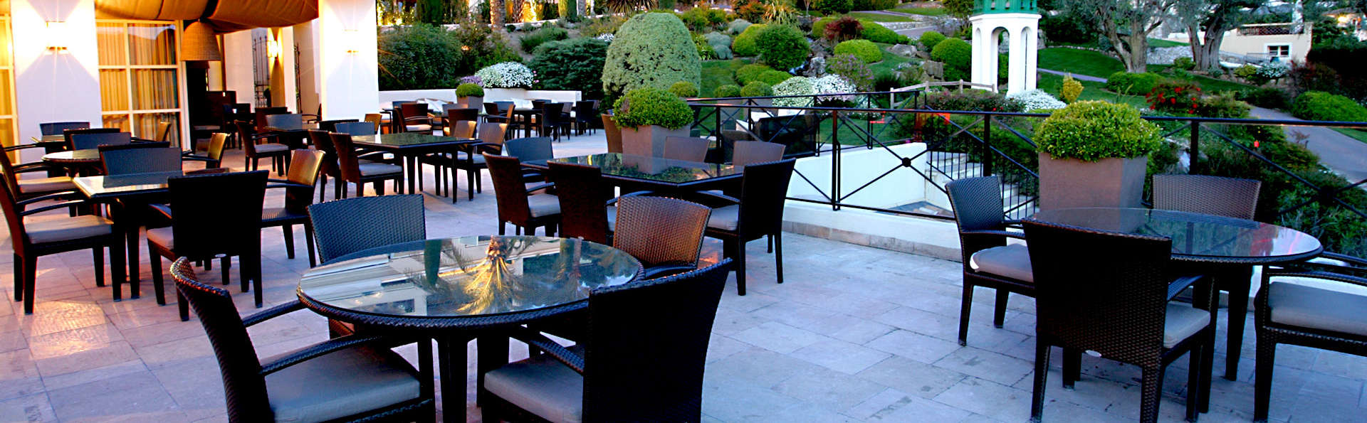 Royal Mougins Hôtel - Edit_Terrace4.jpg