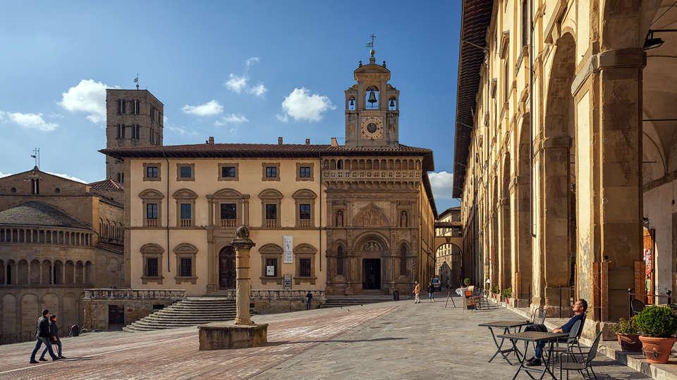 Residence Le Corniole Aparthotel - Edit_Arezzo2.jpg