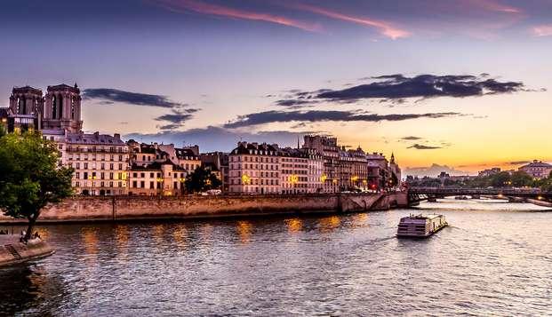 Luxe in Parijs in een 4 * kamer aan de Seine