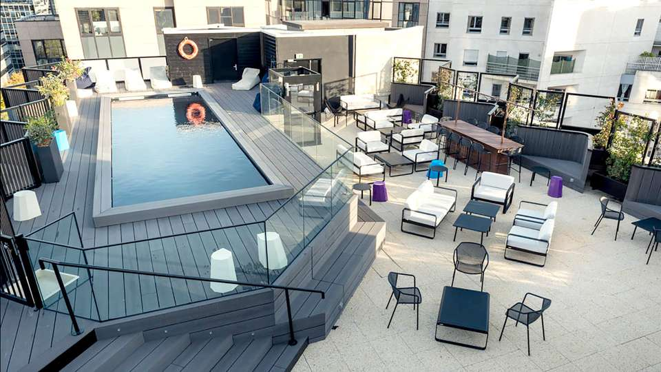 Mercure Paris Boulogne - Edit_Pool.jpg