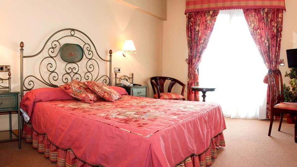 Hotel Alhama - Edit_Room.jpg