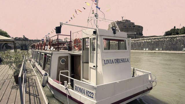 Naviga sul Tevere! Notte alle porte di Roma con biglietto hop on-hop off per le barche sul fiume!