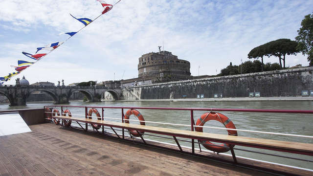 Weekend alle porte di Roma con tour in battello sul Tevere