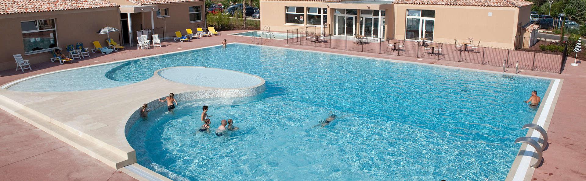 Vacancéole - Résidence Les Demeures du Ventoux - Edit_Pool4.jpg