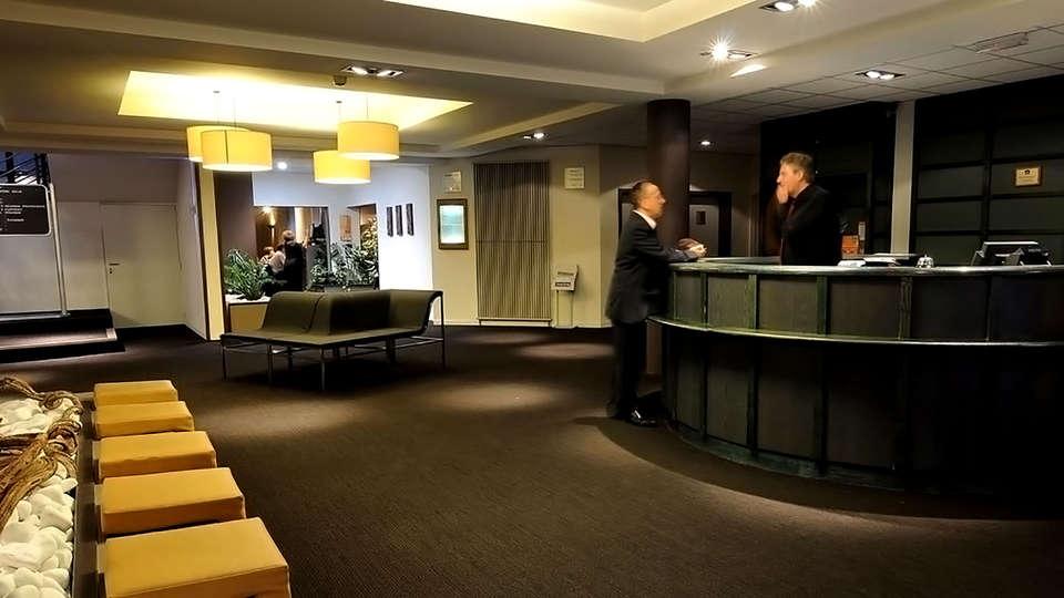Hotel Arlon by Accor - Edit_Reception.jpg