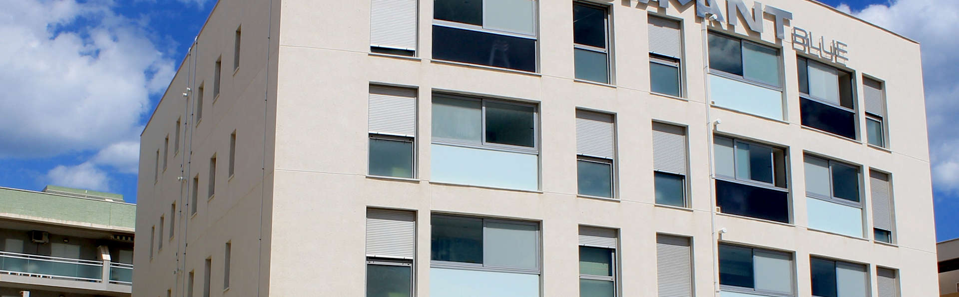 Aparthotel Diamant Blue - Edit_Front2.jpg