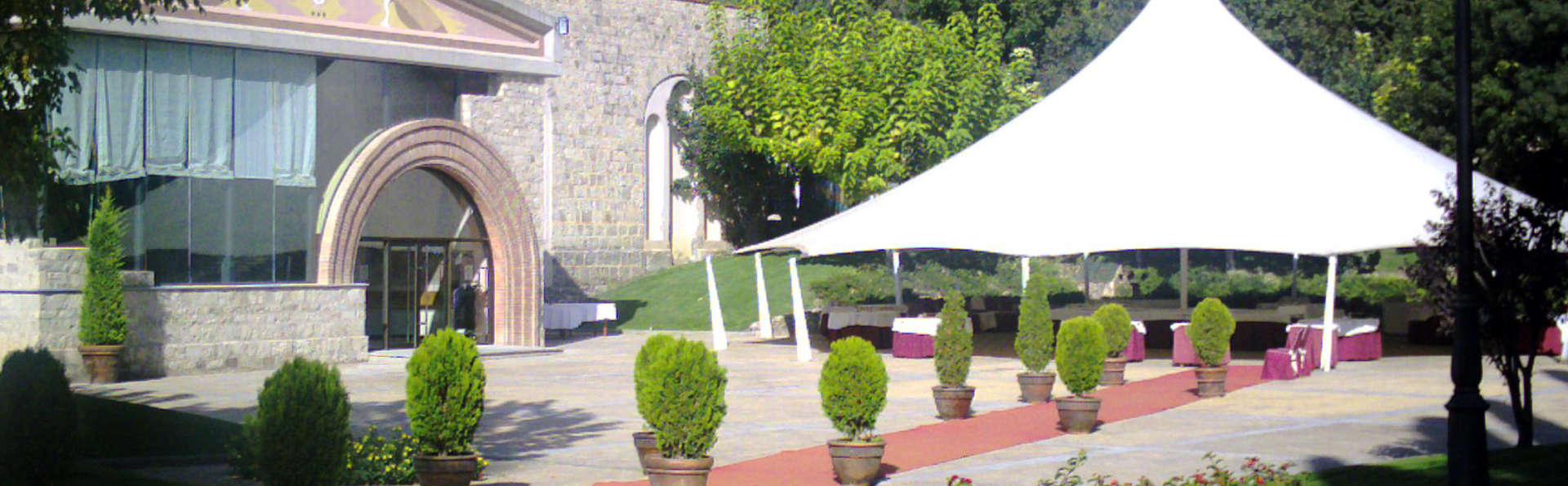 Hotel Balneari de Vallfogona de Riucorb - Edit_Garden3.jpg