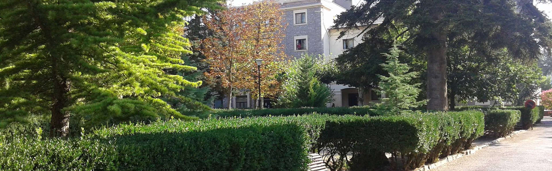 Hotel Balneari de Vallfogona de Riucorb - Edit_Garden2.jpg