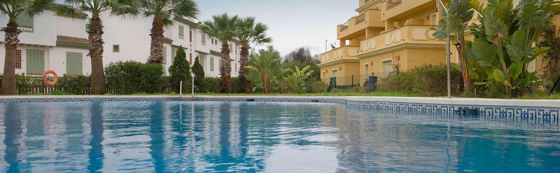 Hotel Apartamentos Vista Real - Edit_Pool.jpg