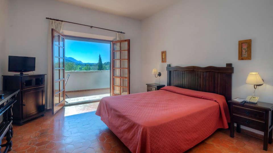 Hotel Las Truchas - Edit_Room.jpg