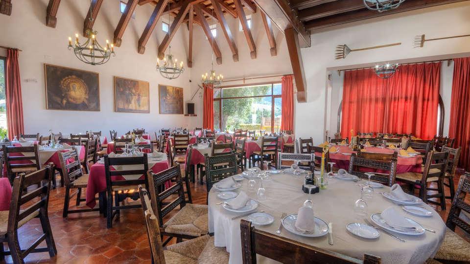 Hotel Las Truchas - Edit_Restaurant.jpg