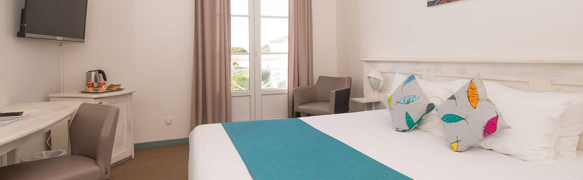 Côté Thalasso - Ile de Ré - EDIT_NEW_Room.jpg
