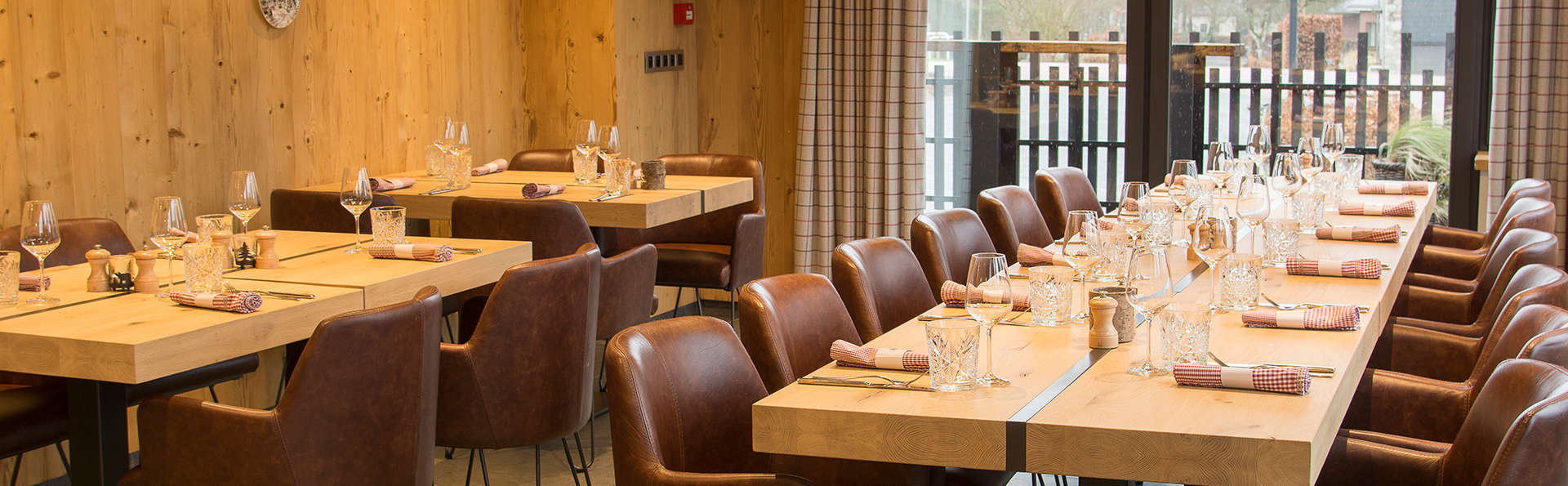 Au Cheval Blanc - Edit_Restaurant.jpg