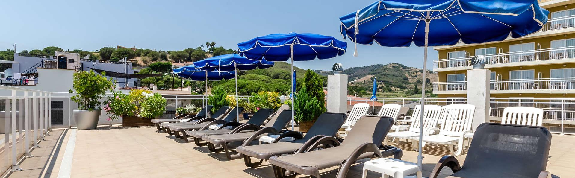 Hotel Mar Blau - Edit_Terrace3.jpg