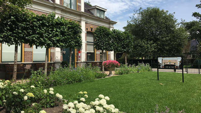 Romantiek en stijl in de Queensroom in 19e-eeuws pand in Drenthe