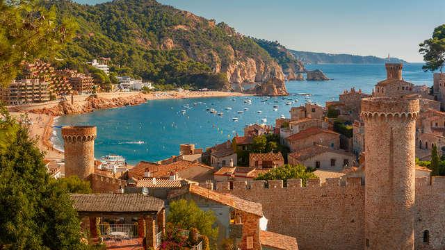 ¡Vacaciones en familia! Disfruta Tossa de Mar con un niño incluido y en media pensión