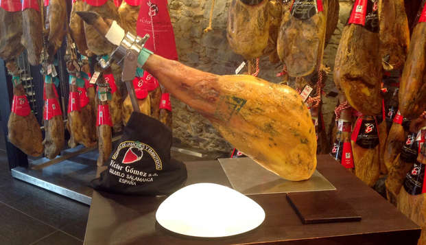 Escapada con Visita y degustación de los famosos jamones de Guijuelo
