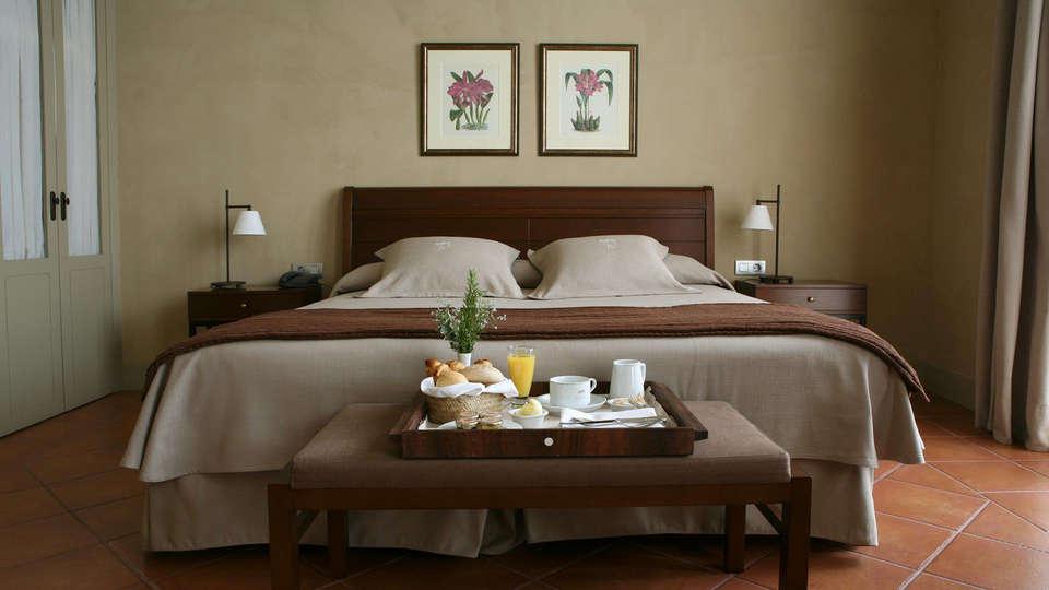 Hotel Bremon - Edit_JuniorSuite3.jpg