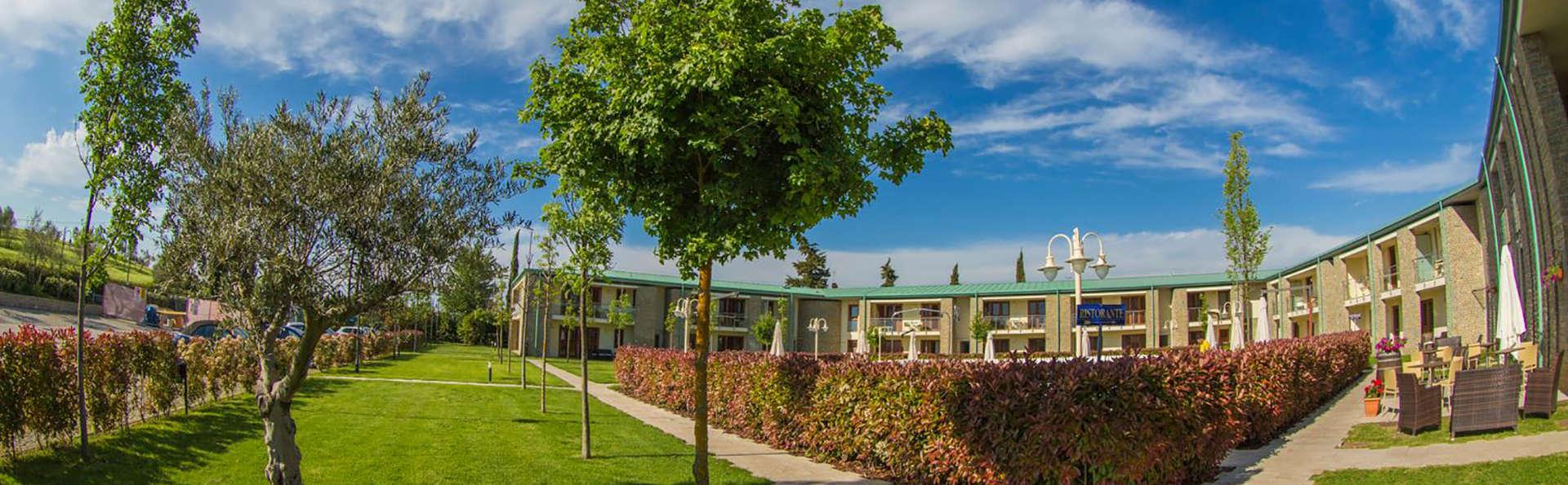Residence Chianti Village Morrocco - Edit_Garden.jpg