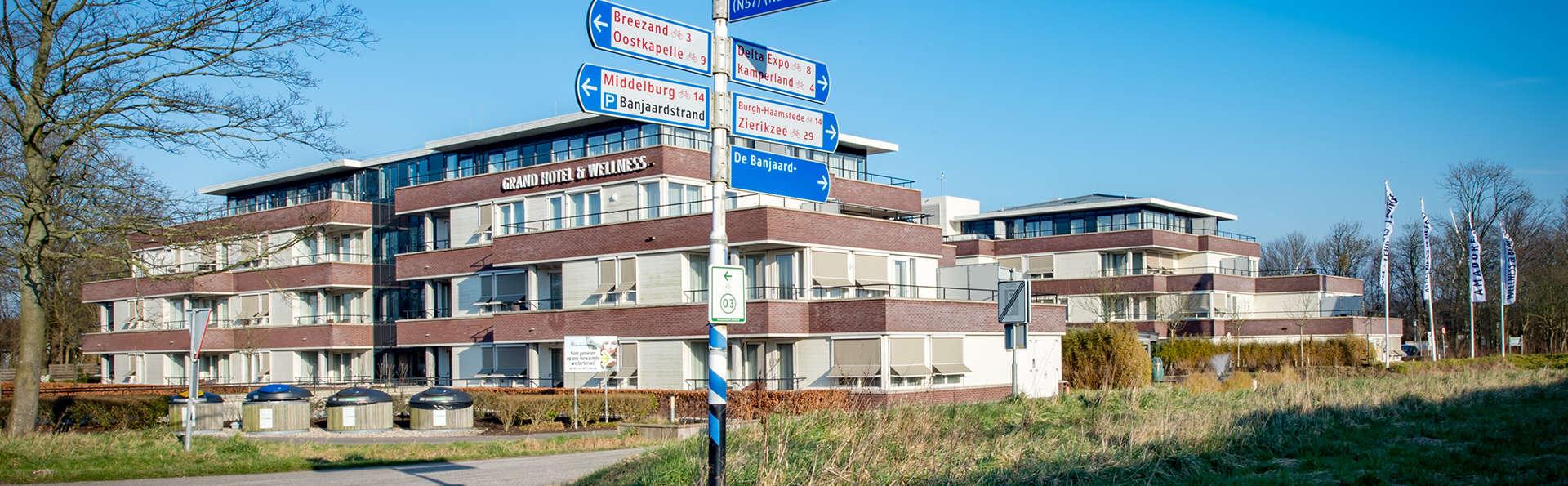 Amadore Hotel Restaurant De Kamperduinen - EDIT_NEW_Front5.jpg
