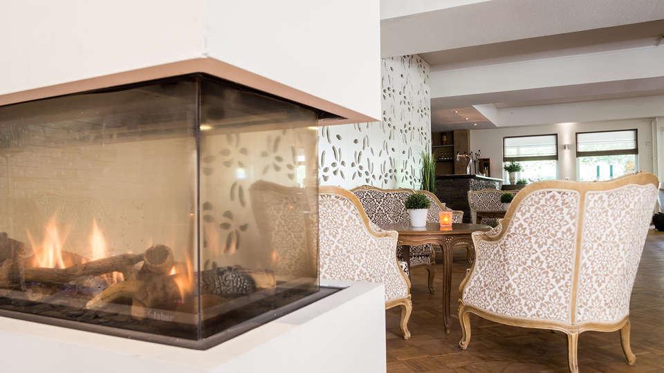 Hotel Schaepkens Van St Fijt - EDIT_NEW_Lobby.jpg