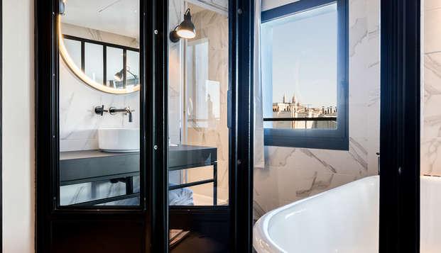 LAZ Hotel Spa Paris - NEW BathroomLoft
