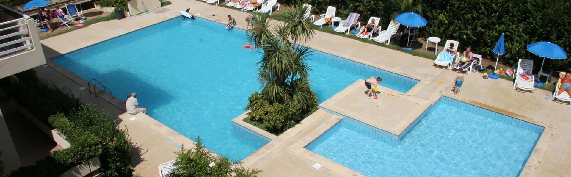 Residenza Buganvillea - Edit_Pool.jpg