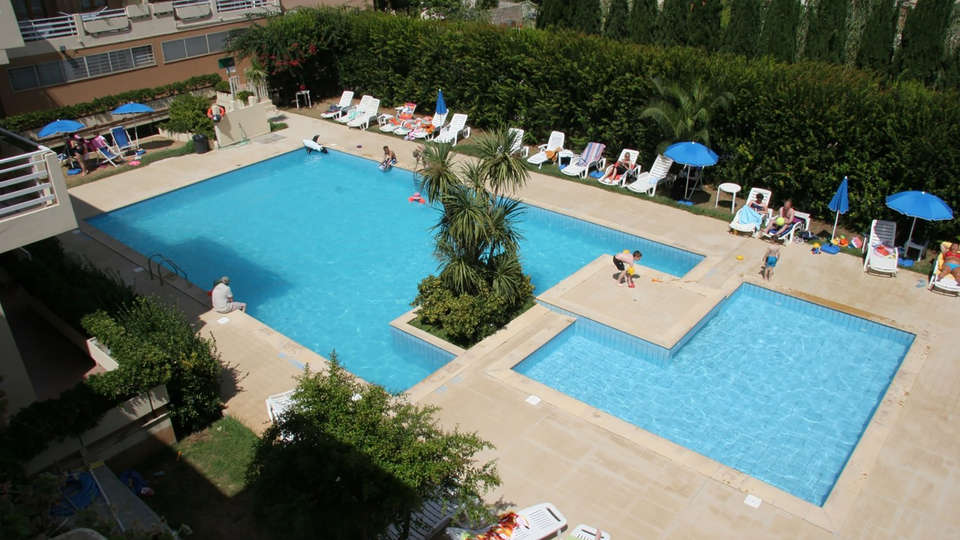 Residenza Buganvillea - Edit_Pool.jpg