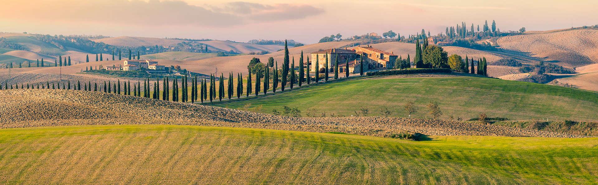 Séjournez à l'hôtel Ai Tufi avec visite du Chianti et de San Gimignano !