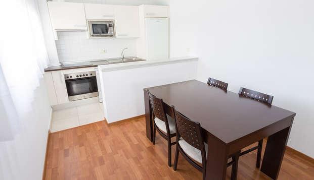 Studio avec parking gratuit et cuisine équipée près de Séville