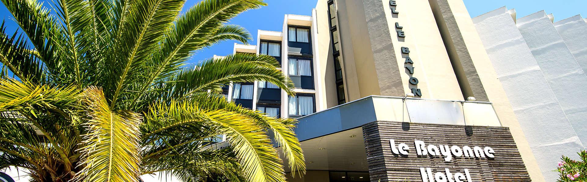 Hôtel le Bayonne - EDIT_NEW_FRONT2.jpg