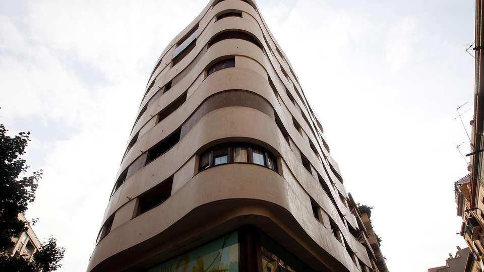 Apartamentos Real Lleida - Edit_Front.jpg