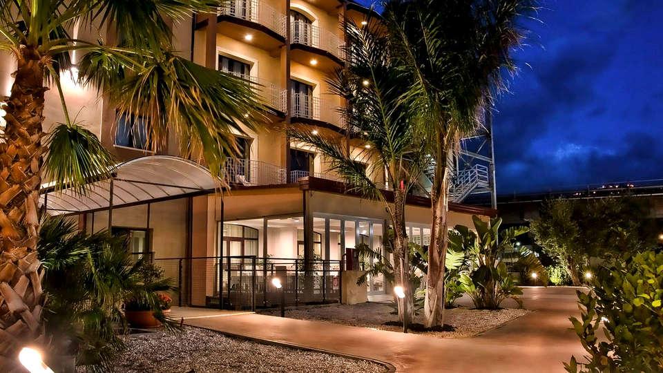 Viola Palace Hotel - Edit_Front.jpg