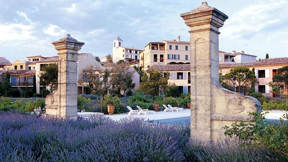 Pierre et Vacances Hôtel du Golf - Pont Royal - Edit_View2.jpg