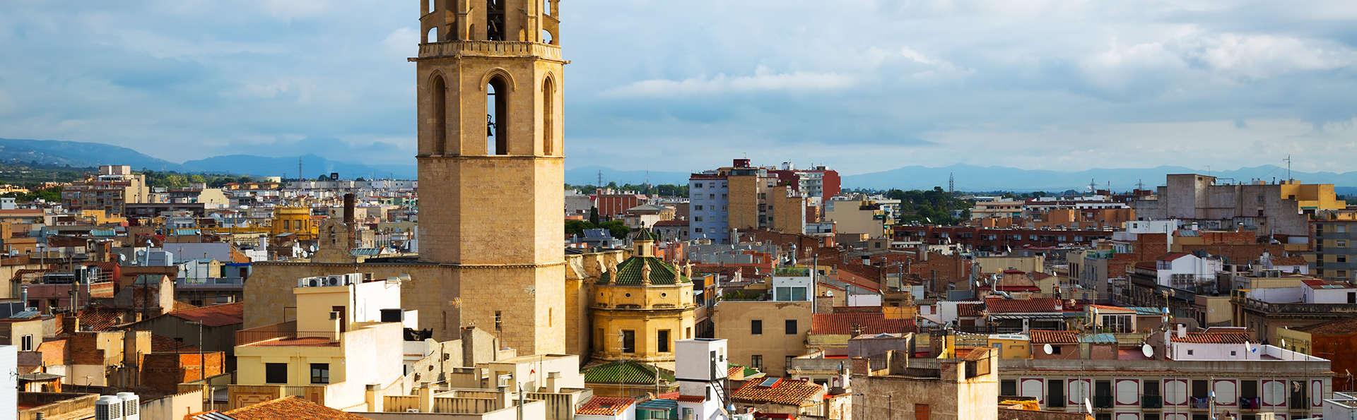 Découvrez la charmante ville de Reus avec logement et petit-déjeuner