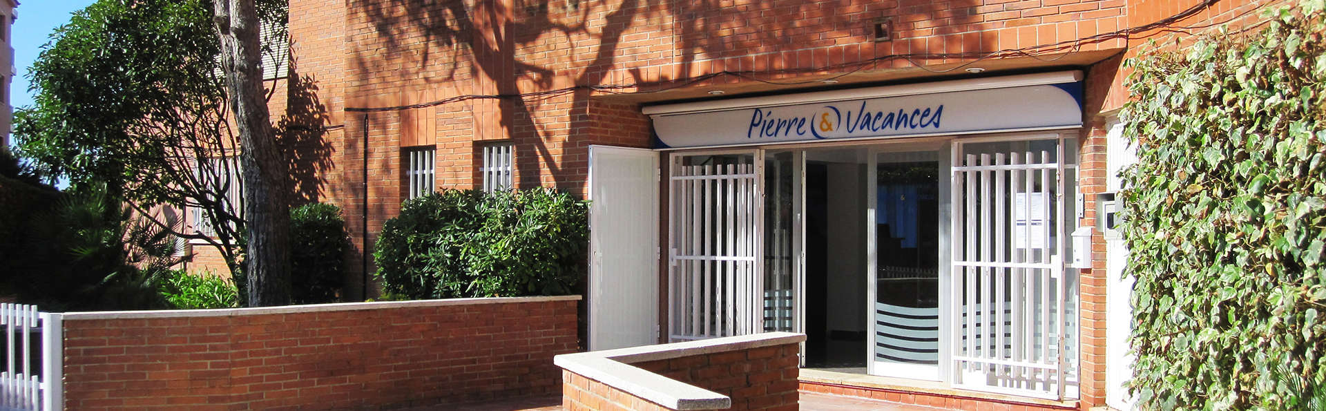 Pierre & Vacances Comarruga - Edit_Front.jpg