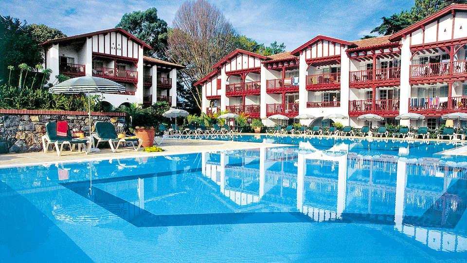 Pierre Et Vacances La Villa Maldagora - Edit_Pool3.jpg