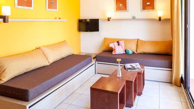 Vacaciones en la Costa Dorada en Apartamento para hasta 5 personas (desde 4 noches)
