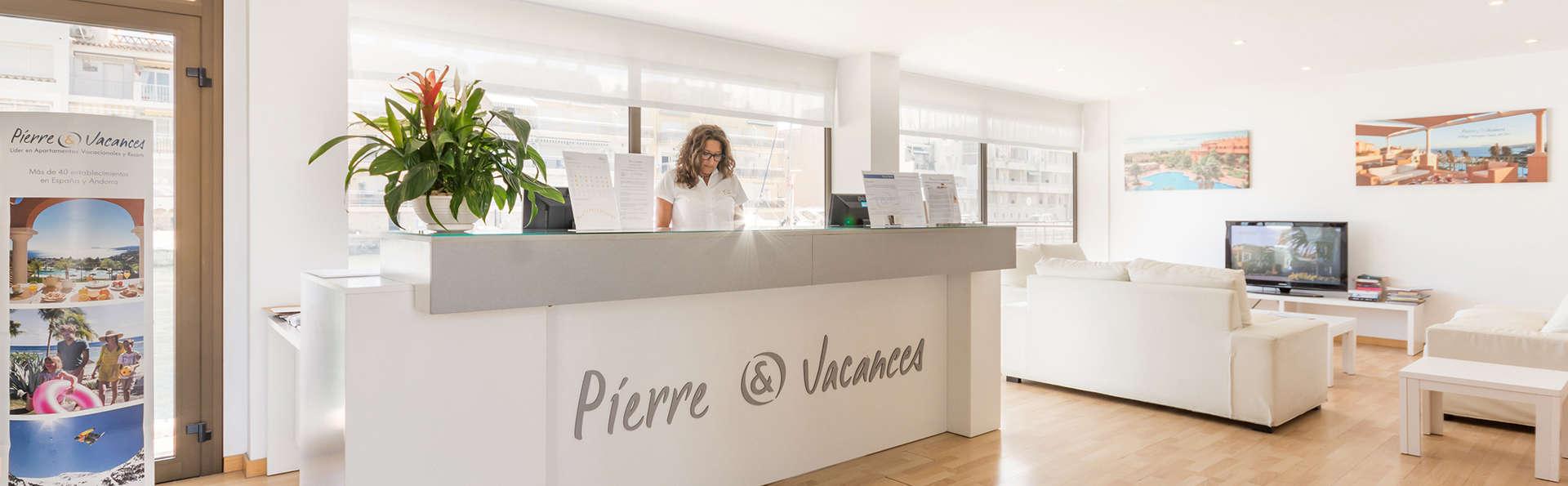 Pierre&Vacances Empuriabrava Marina - Edit_Reception.jpg