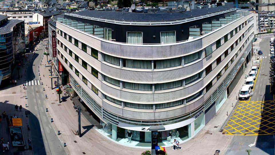 Cèntric Atiram Hotel - EDIT_NEW_FRONT5.jpg