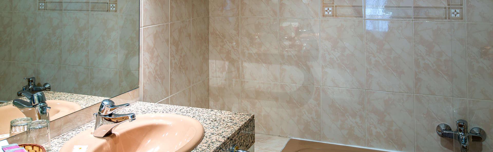 Imperial Atiram Hotel - EDIT_NEW_BATHROOM.jpg