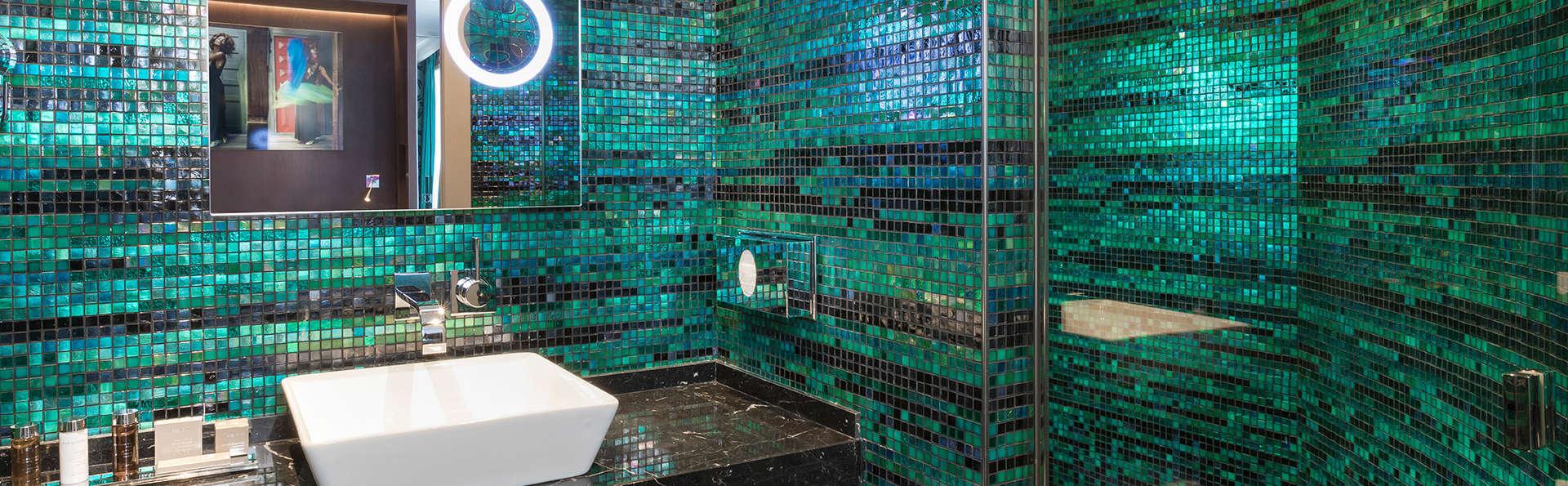 Hôtel Vendôme Opéra - Edit_Bathroom.jpg