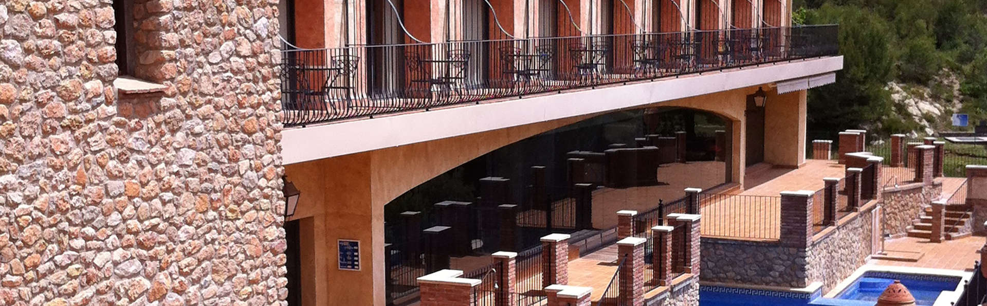 Figuerola Resort & Spa - EDIT_NEW_Pool2.jpg