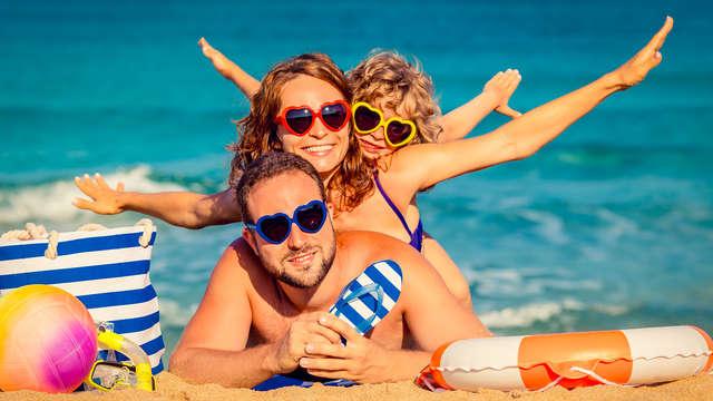 Escápate a la playa en familia y disfruta de una Junior Suite en media pensión en Alcudia, Mallorca