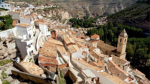 Especial Familias con visita a las Cuevas y al Castillo en Albacete (desde 2 noches)