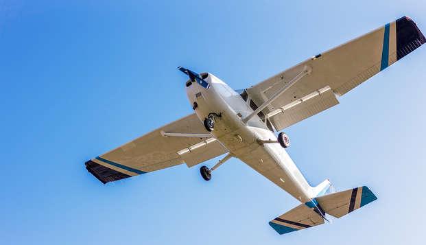 Sobrevuela el parque natural de Sant Llorenç del Munt: vuelo en ultraligero y hotel incluidos