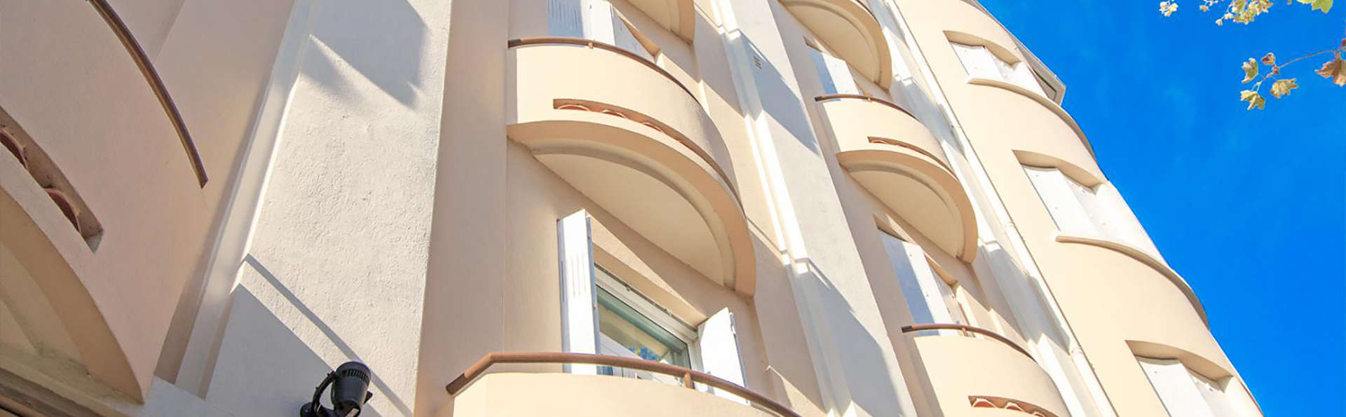 Mondial Hotel - Edit_Front.jpg